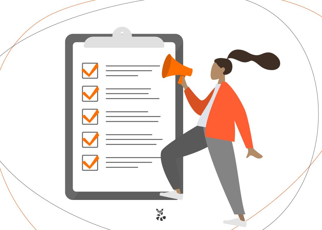 mulher fazendo checklist nas estratégias de brandformance